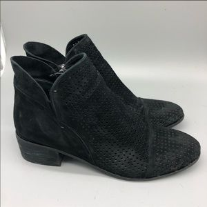 Sam Edelman Shoes - Sam Edelman pipp black perforated low heel bootie